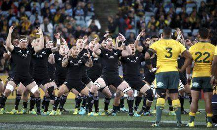 Cheika under pressure as All Blacks close on Bledisloe Cup