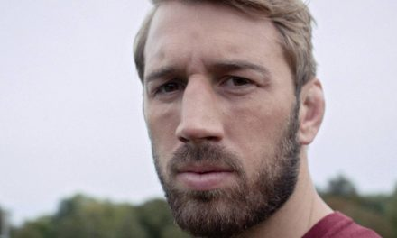 England rugby star Chris Robshaw on the Dyson Supersonic