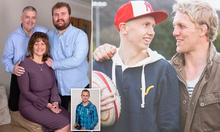 England rugby captain Lewis Moody's bond with a teenage fan with cancer changed his life   Daily Mail Online