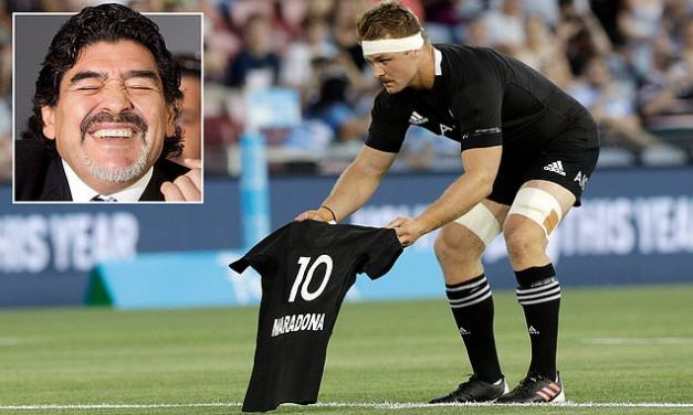 All Blacks pay tribute to Argentina legend Diego Maradona with Cane laying down No 10 jersey | Daily Mail Online